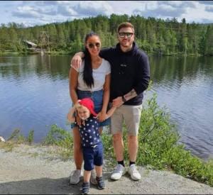 Rebekka U. Heltne med familie